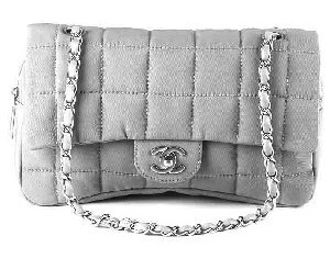 fashionable and attractive package modern design new high quality Replica Chanel Outlet Bags